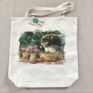 New Cat Sleeping in the Garden Canvas Tote bag